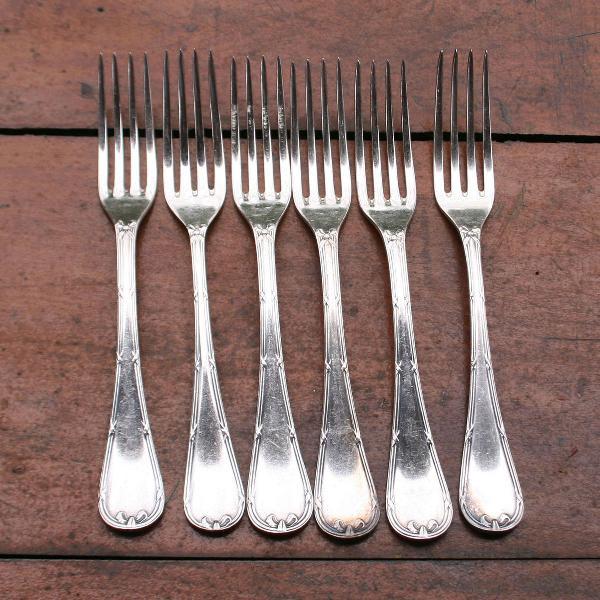 6 elegantes garfos em metal banhado a prata da marca wolff