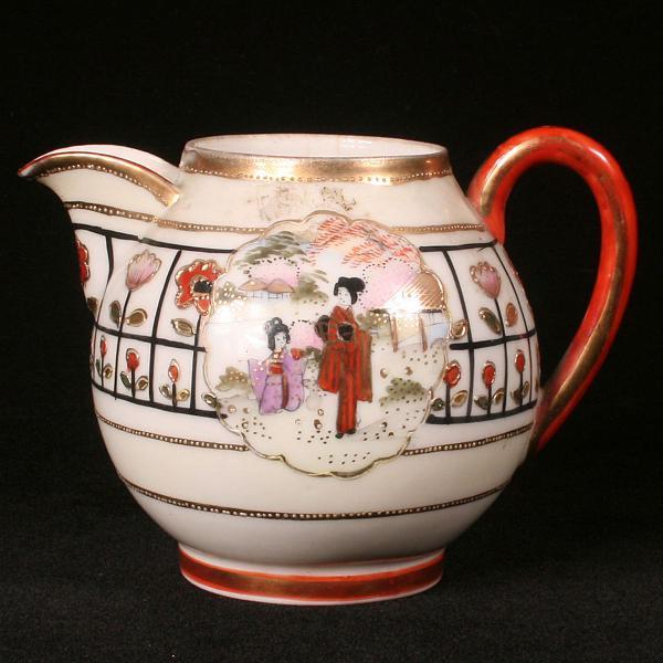 Bule em porcelana oriental - década de 1920