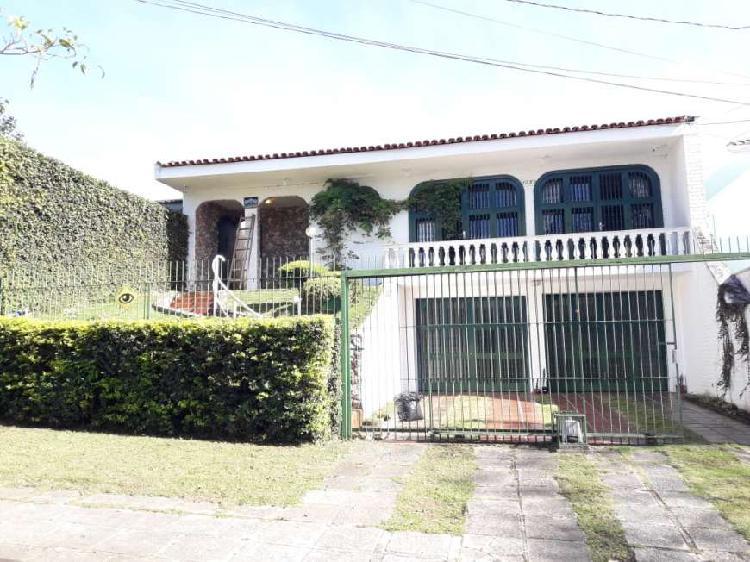 Casa com 3 quartos à venda, 276 m² por r$ 890.000 cod. 001