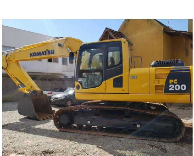 Escavadeira komatsu pc 200