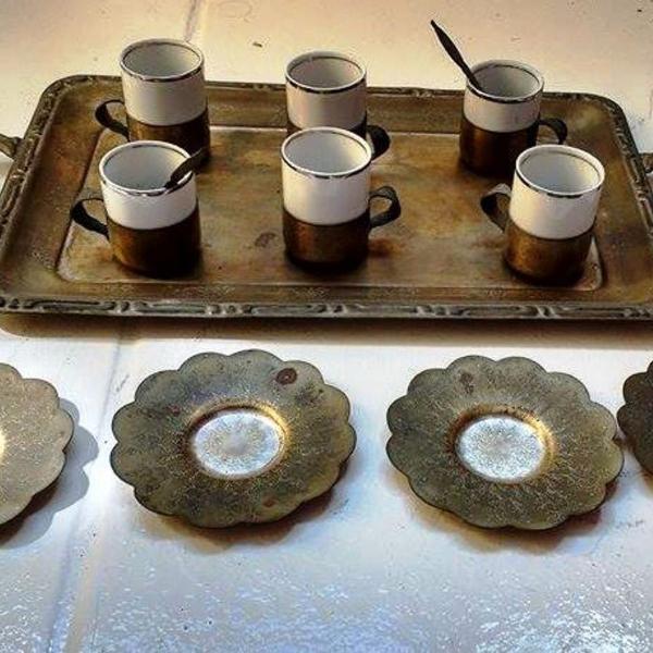 Jogo de xícaras de café em porcelana com base em prata 90