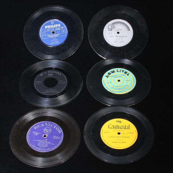 Lote com 28 discos compactos diversos