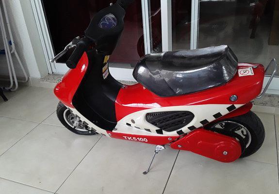 Mini scooter a gasolina