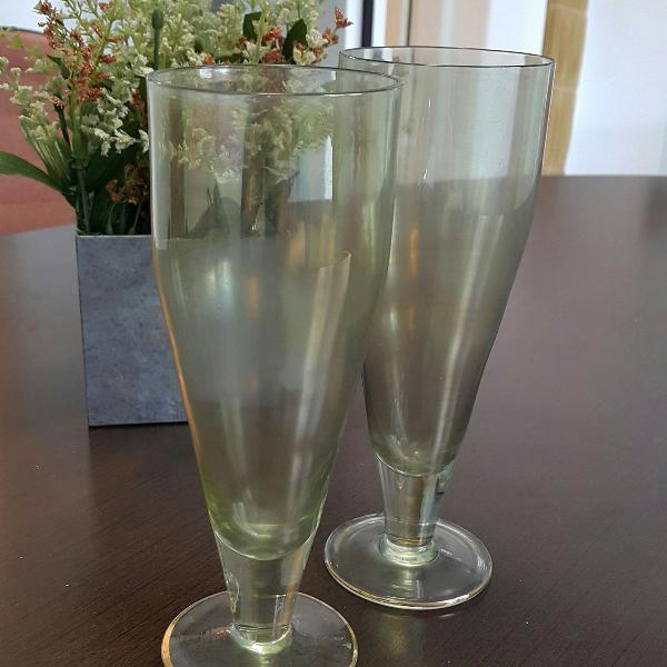Par de taças em vidro furta cor