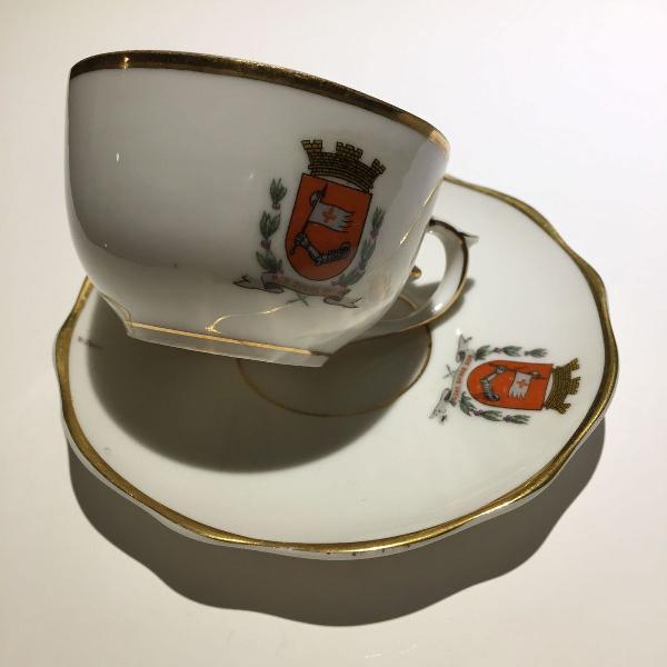 Xícara antiga de porcelana mauá - brasão