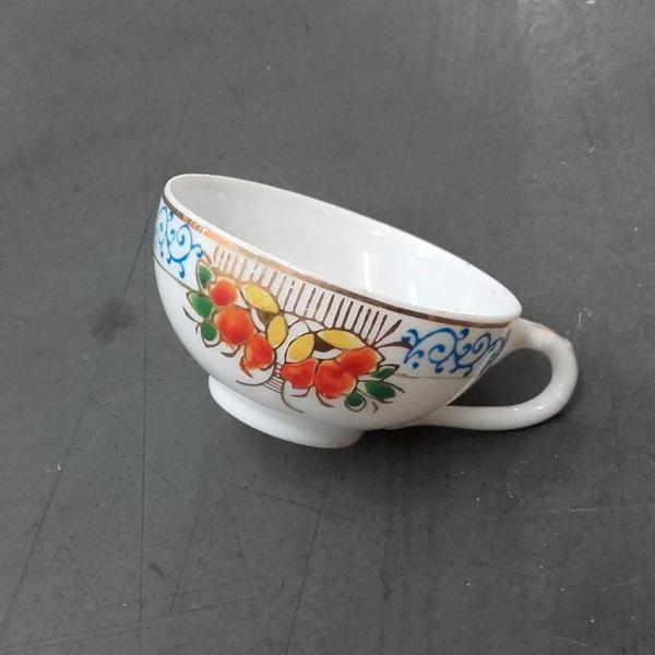 Xícara de café japonesa em porcelana casca de ovo feita à
