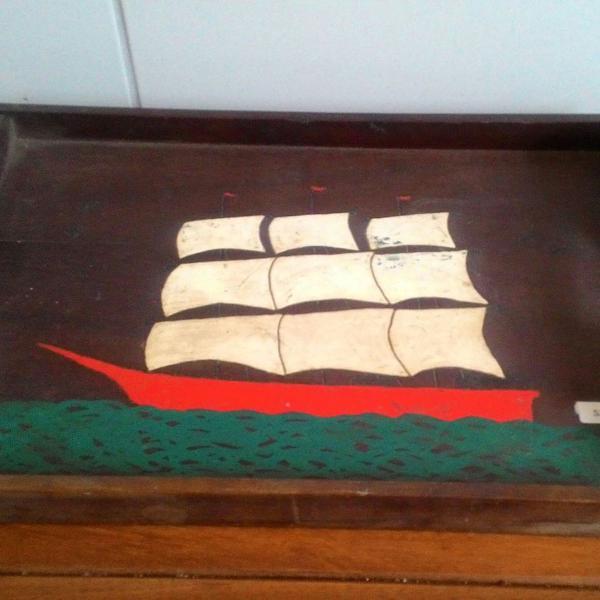 Bandeja antiga em madeira caravela óleo sobre madeira