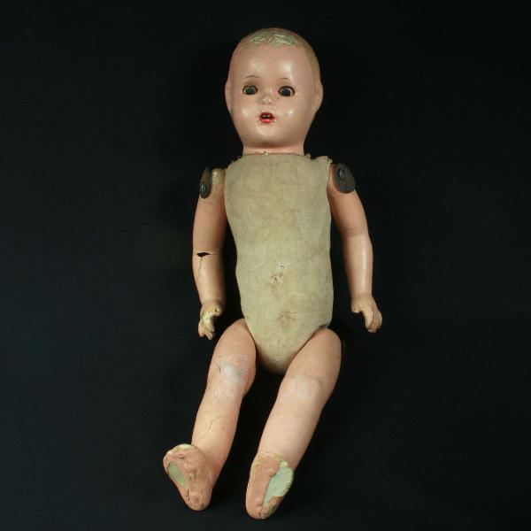 Boneca de massa da estrela da década de 1950 com defeitos