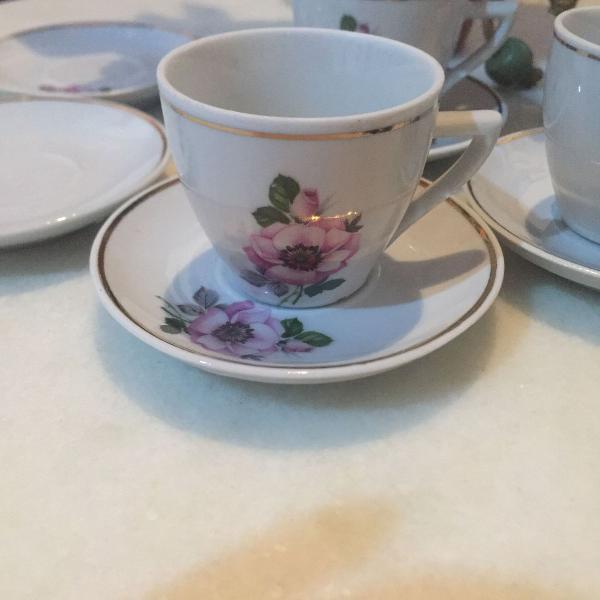 Conjunto de porcelana 4