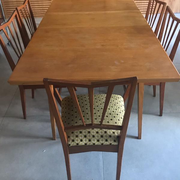 Linda mesa pé palito, com 6 cadeiras, anos 60