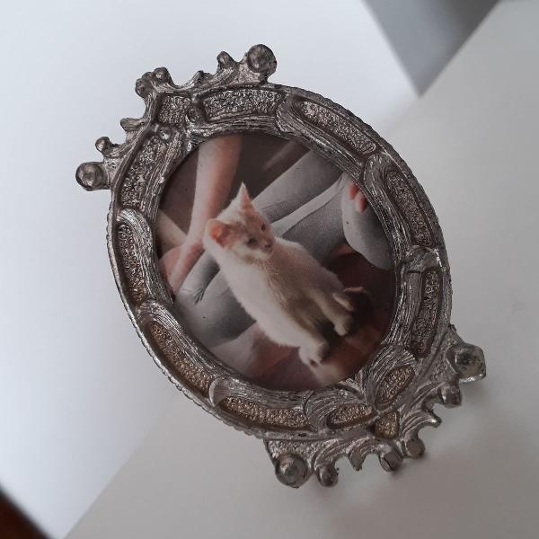 Mini porta retrato em ferro fundido
