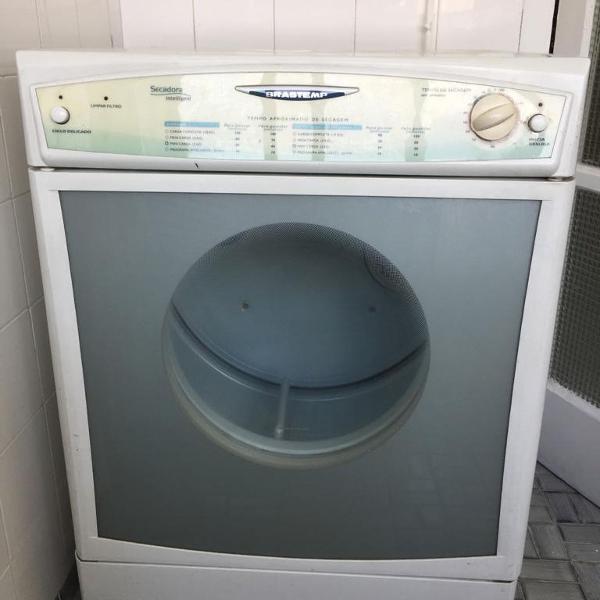 Máquina secar roupas brastemp
