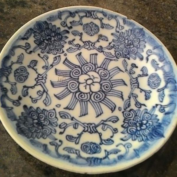 Prato antigo imari porcelana antiga azul e branco seculo 19