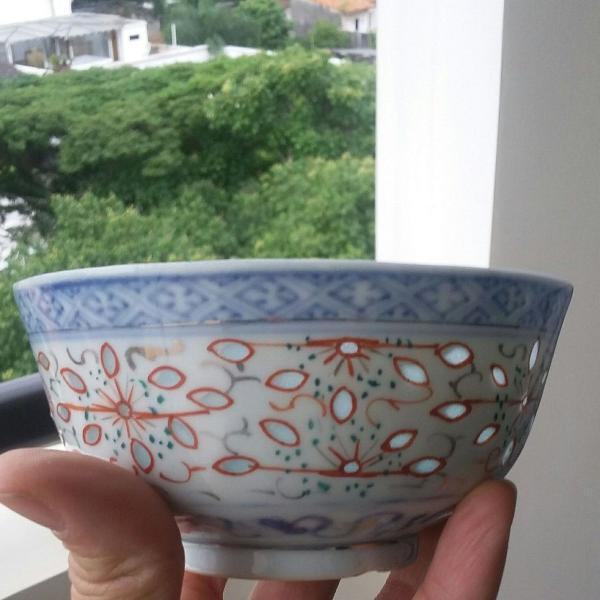 Tigela chinesa de cerâmica grão de arroz autêntico