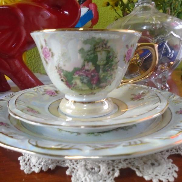 Trio para chá em porcelana nacional, anos 80 - schimidt