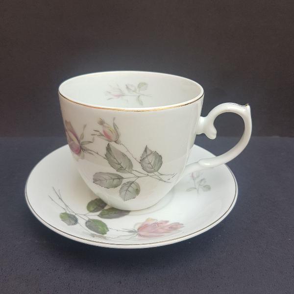 Xícara de chá em porcelana steatita