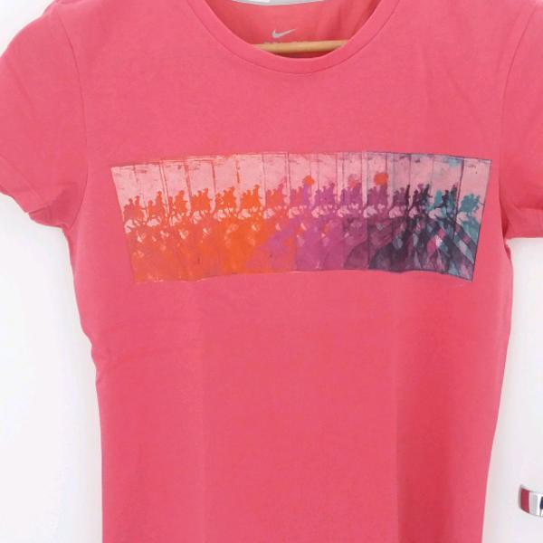 Camiseta nike running dri fit rosa