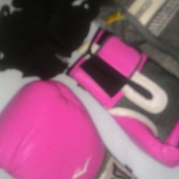 Luva para treino rosa, preto e branco