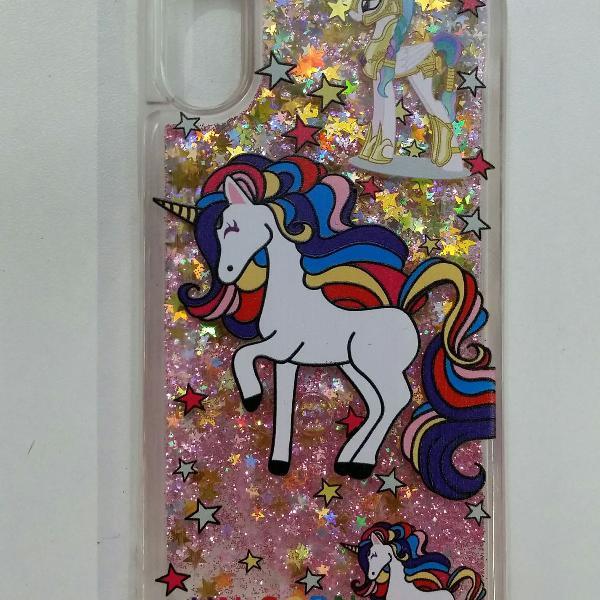 Capinha de celular iphone x unicórnio com glitter e água