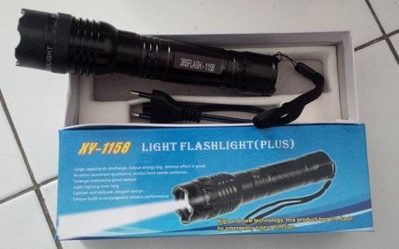 Lanterna tática (bateria recarregável)