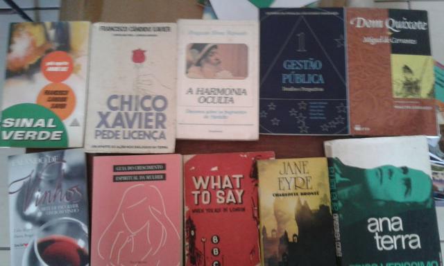 Livros diversos: francisco cândido xavier, miguel de