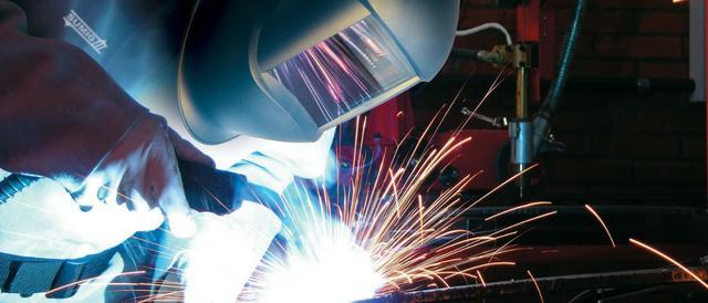 Vaga para soldador/montador. com experiência comprovada