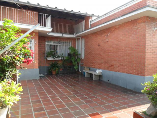 Casa com 3 dormitórios para alugar, 130 m² por r$ 2.500 -