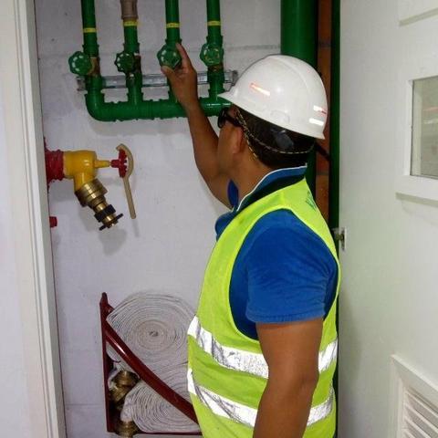 Encanador hidráulico (vazamentos e entupimentos)