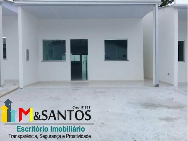 Garagem lateral/ casas com 2qrts