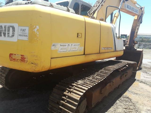 Escavadeira hidráulica new holland e215b