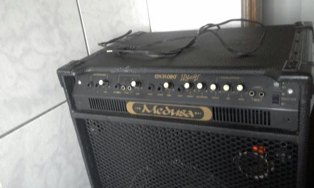 Amplificador grande caixa de som para instrumentos musicais