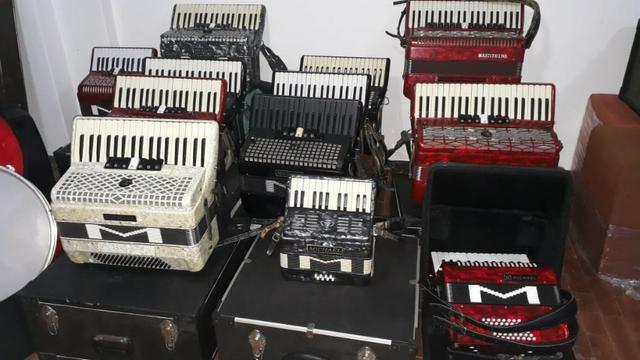 Sanfonas acordeons zabumbas - acessórios