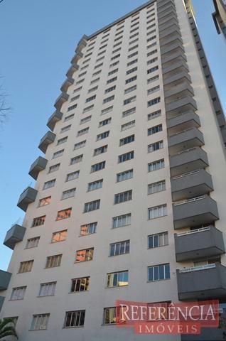 Apartamento com localização espetacular enfrente a praça