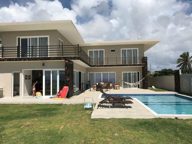 Linda casa de praia condomínio fechado em jacuípe