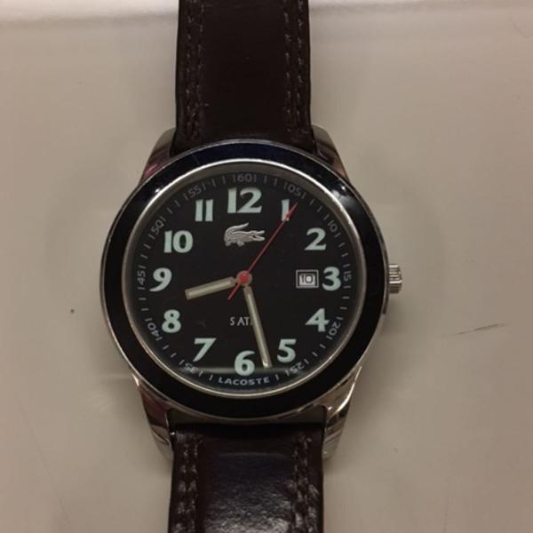 Lindo relógio masculino lacoste
