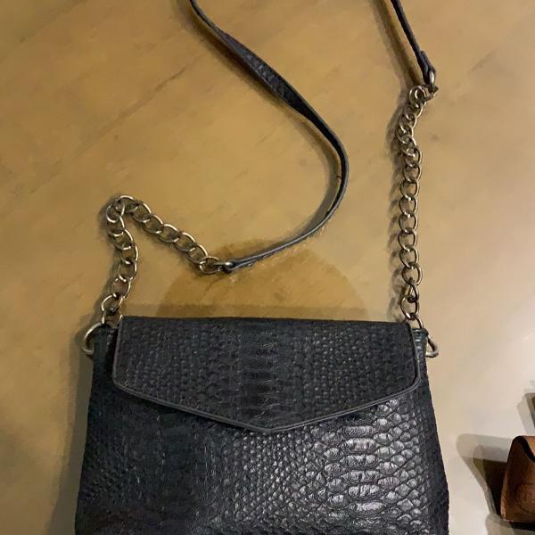Bolsa couro preta essencial
