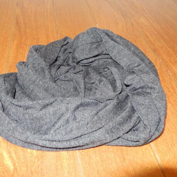 Cachecol/ lenço/ echarpe cinza