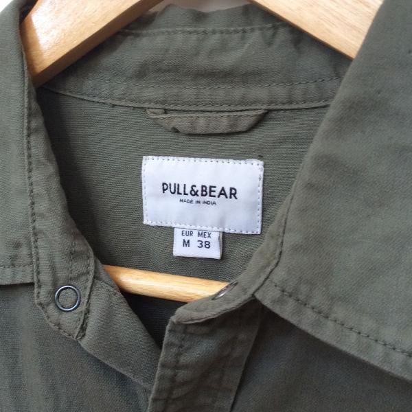 Camisa pull & bear verde militar tam. m