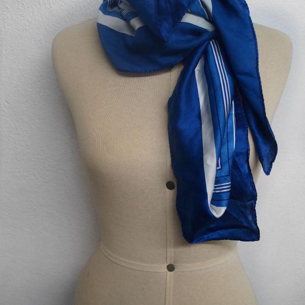 Lenço de seda azul farm