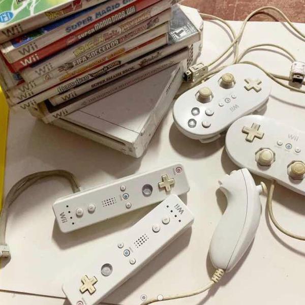Nintendo wii + jogos + controles