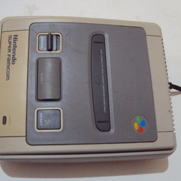 Video game super nintendo famicom console nintendinho