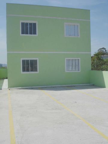 Apartamento amplo com dois dormitórios (térreo)