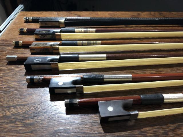 Substituição de crina de arco violino, viola e cello