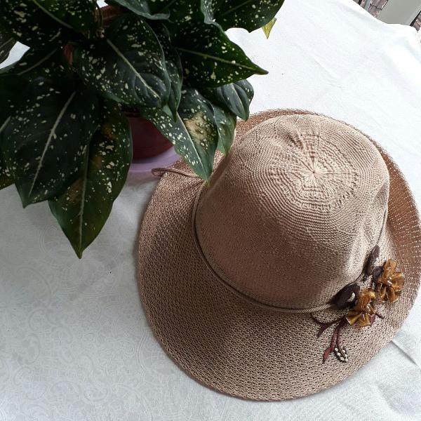 Chapéu arranjo de flor