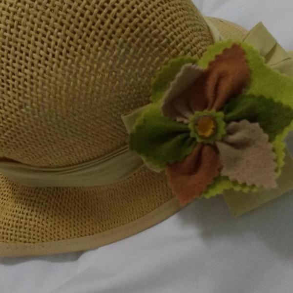chapeu de palhinha trançada