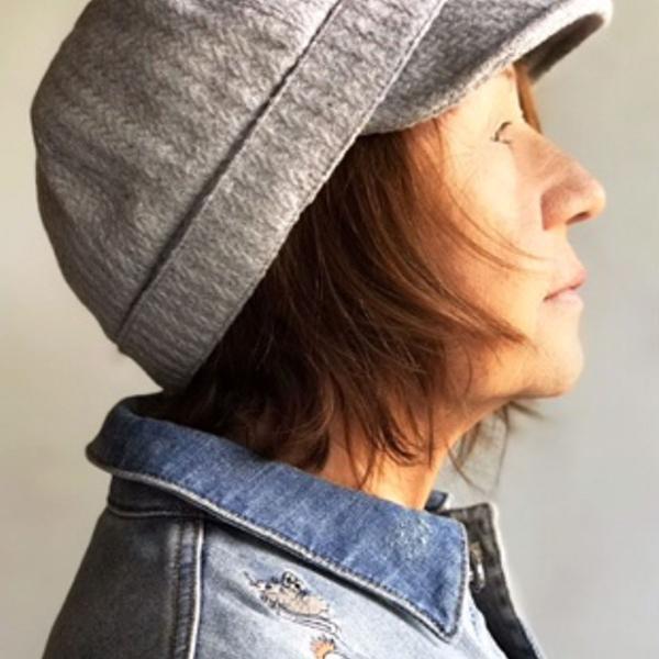 Chapéu com aba, estilo boné