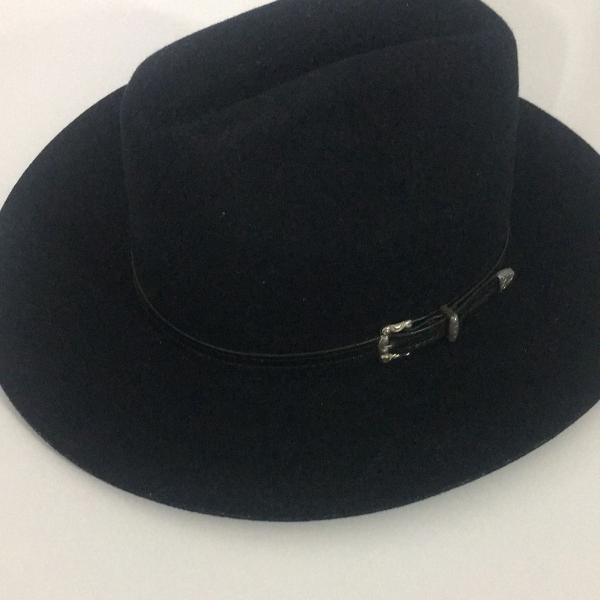 Chapéu cowboy em feltro e couro