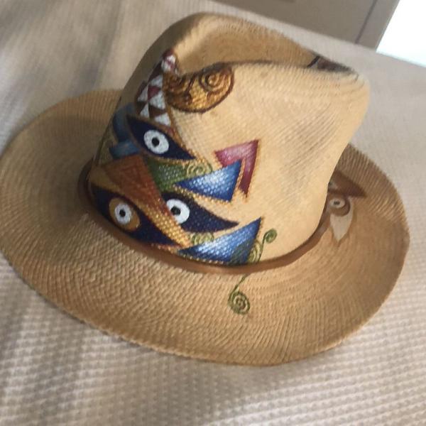 Chapéu de palha olho grego