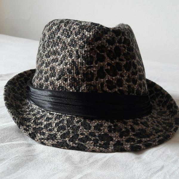 Chapéu fedora tecido aba curta onça