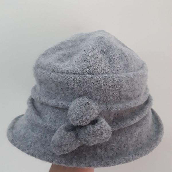 Chapéu madame cinza